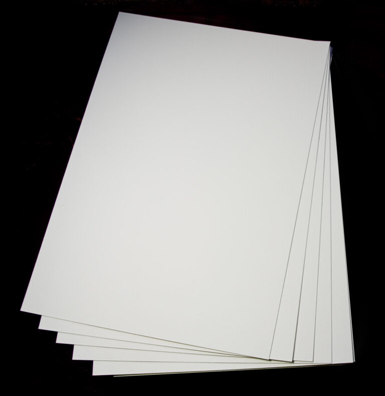 loose sheets of paper